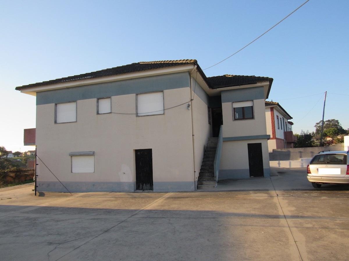 Cheap property with b and b potential close to Sao Martino do Porto