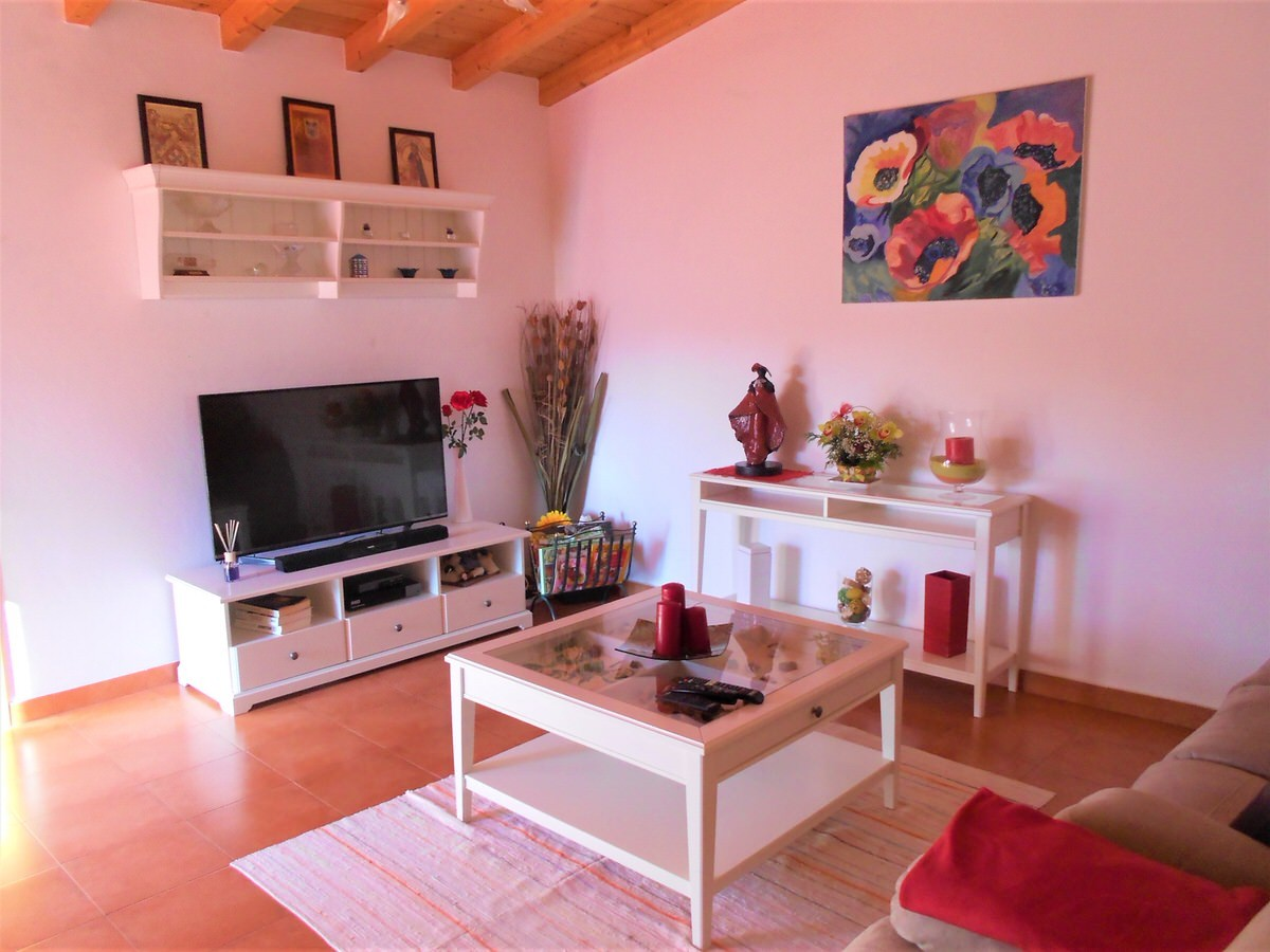 2 +1 Bedroom traditional modernize Villa in the Silver Coast