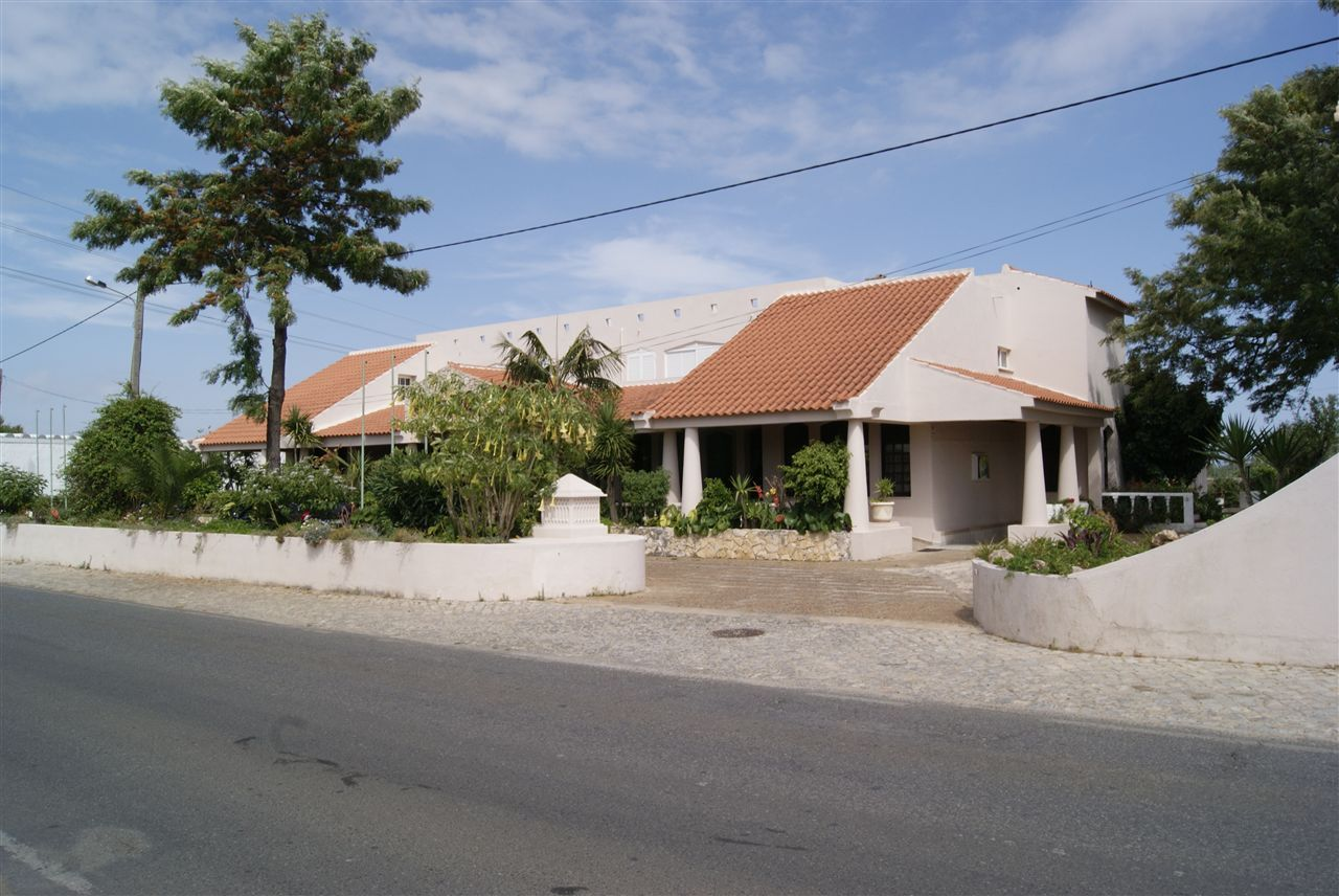 2 appartements et Restaurant à Almancil Algarve
