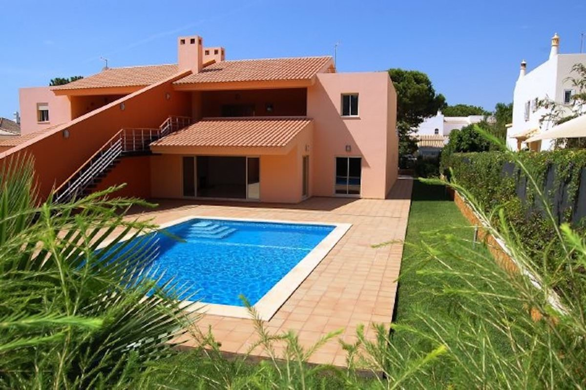 Luxurious 5 bedroom villa Vilamoura Golf for sale