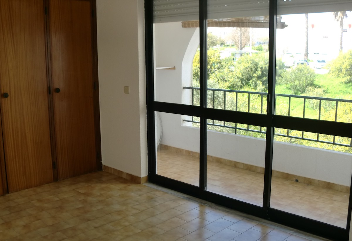 Bargain flat in Albufeira Algarve for sale