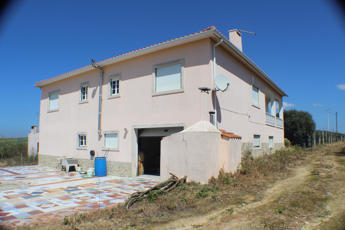 Large house with sea views close to Areia Branca Lourinhã