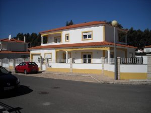 4 bedroom villa located in São Martinho do Porto for sale