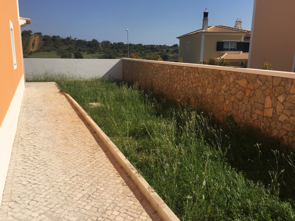 Moradia V3+1 em Vales de Algoz