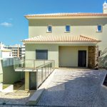 For sale 4 bedroom house in Armação de Pêra Algarve