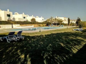 House near the beach of Senhora da Rocha Algarve for sale