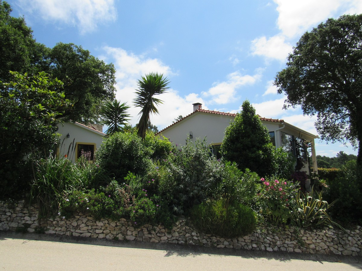 Villa in the countryside 15 minutes from the beach