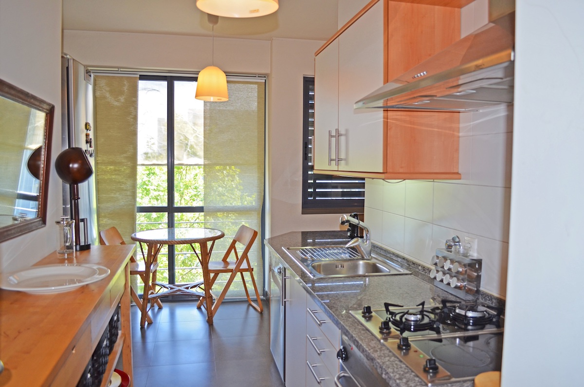 2 bedroom apartment with balcony and swimming pool Parques das Nações Lisbon