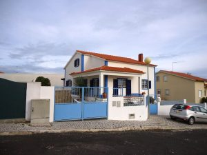 Villa with excellent location