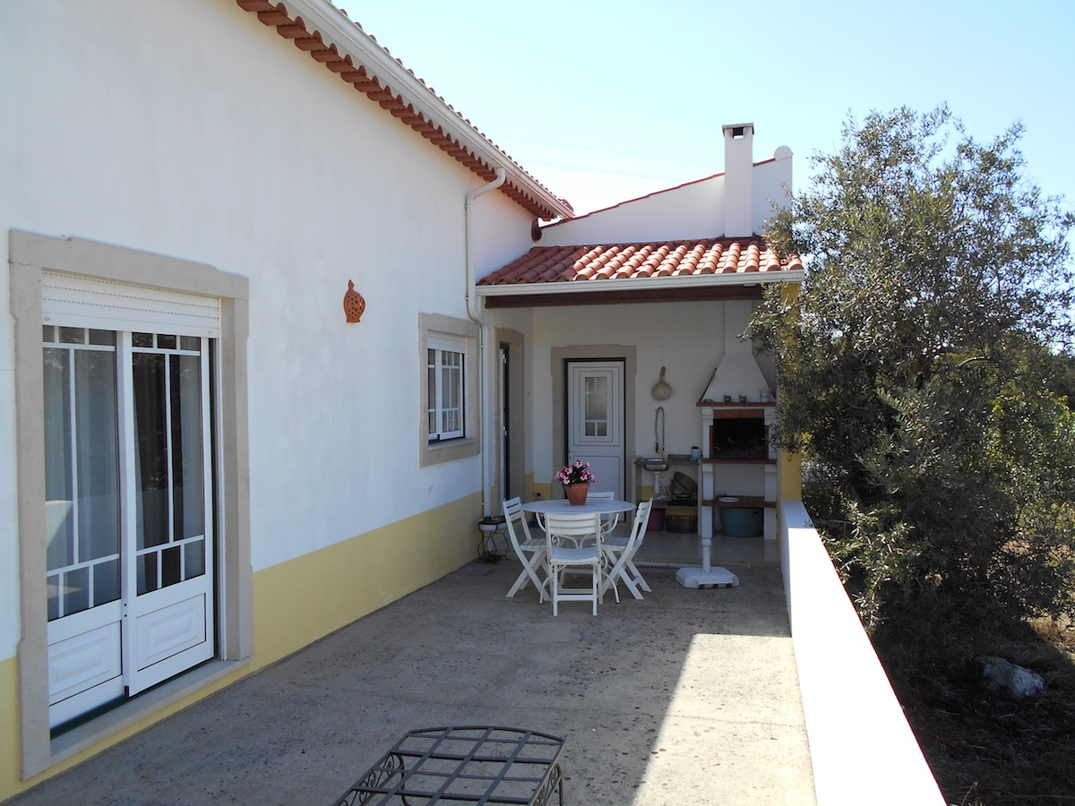 Low priced 3-bedroom house with pool