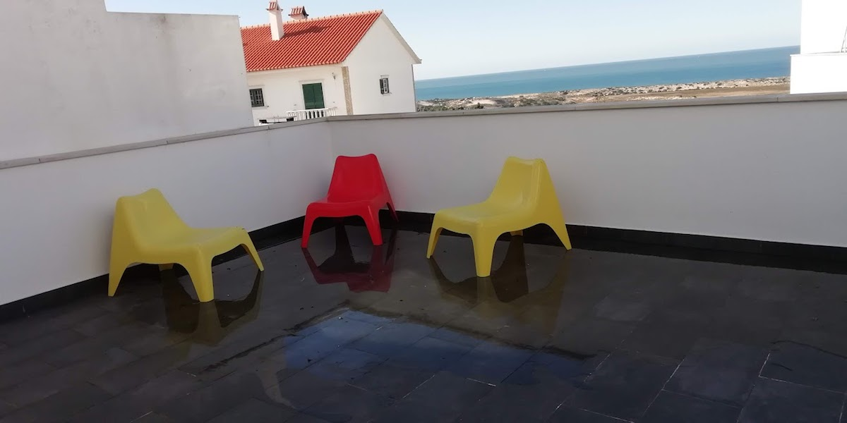 Contemporary-style villa with sea view