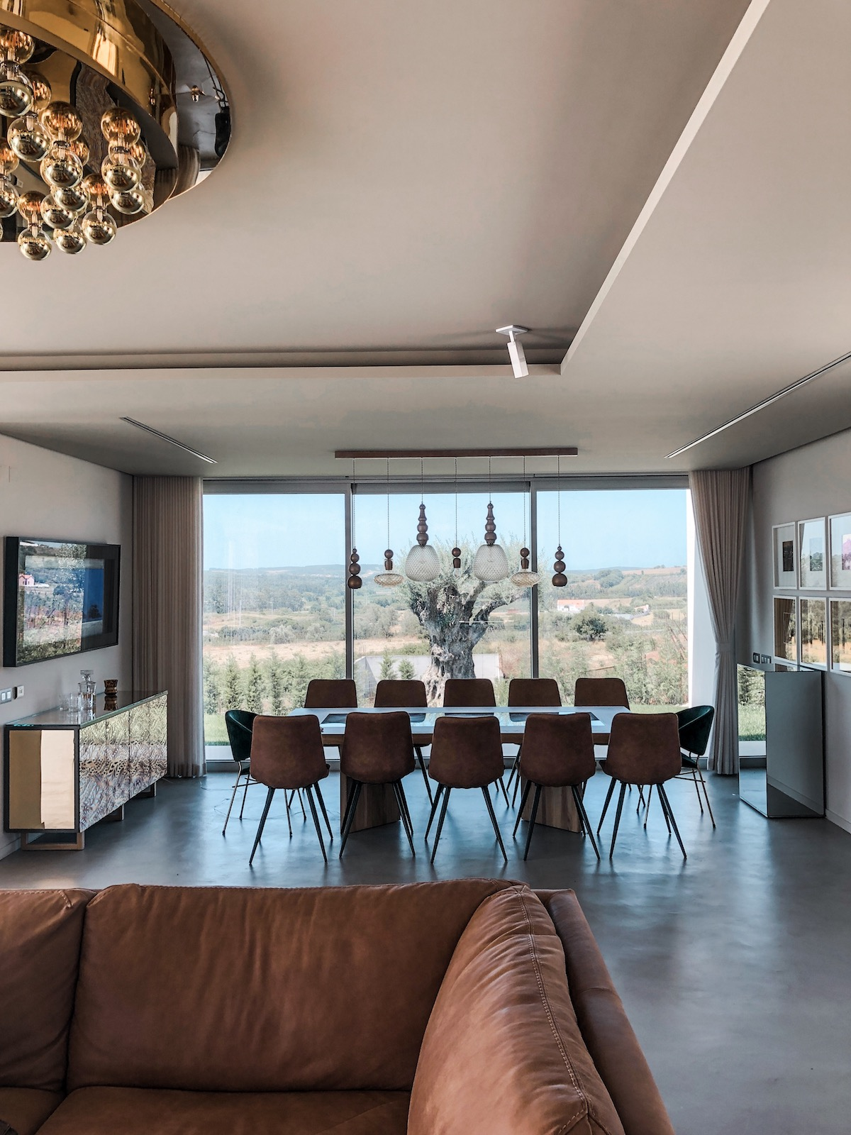 Exclusive Contemporary Property on the Silver Coast