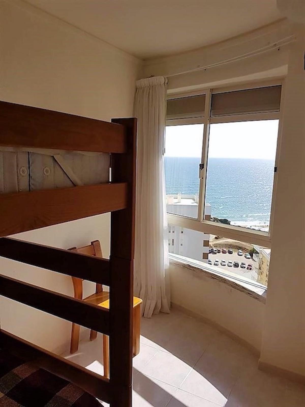 1-bedroom apartment in Alporchinhos/Armação de Pêra a few steps from the beach