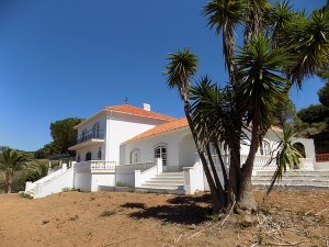 Sea view villa close to Sao Martinho do Porto