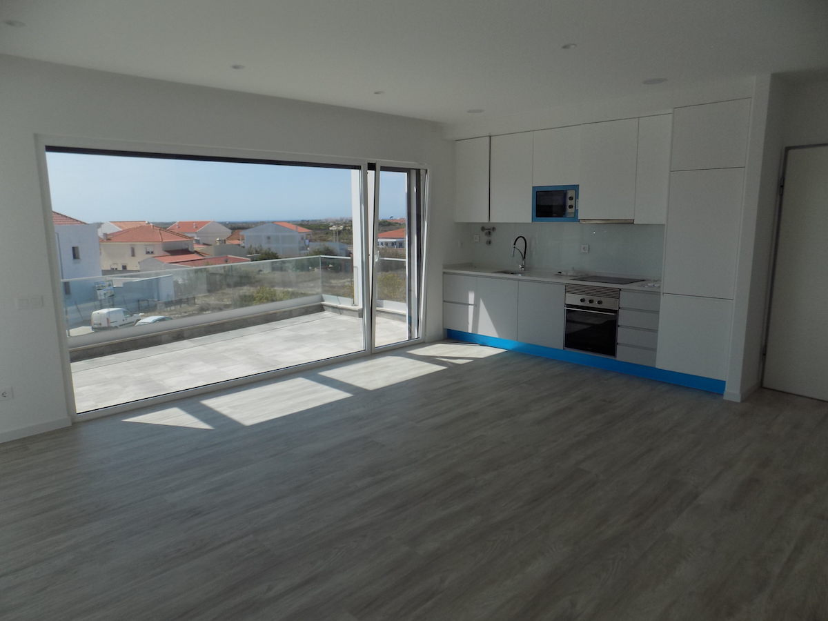 Terrace with views over Ferrel and Baleal