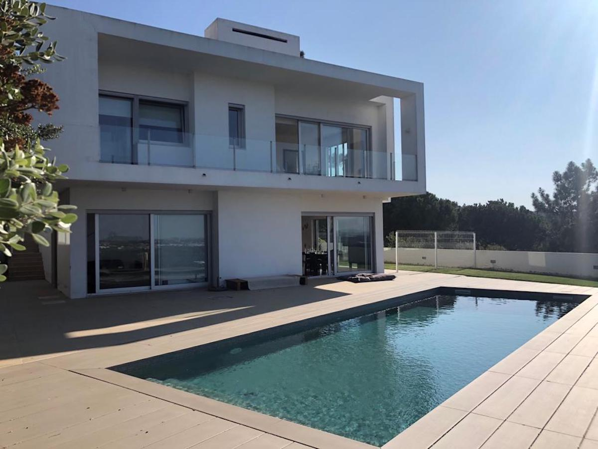 Modernist property Caldas da Rainha
