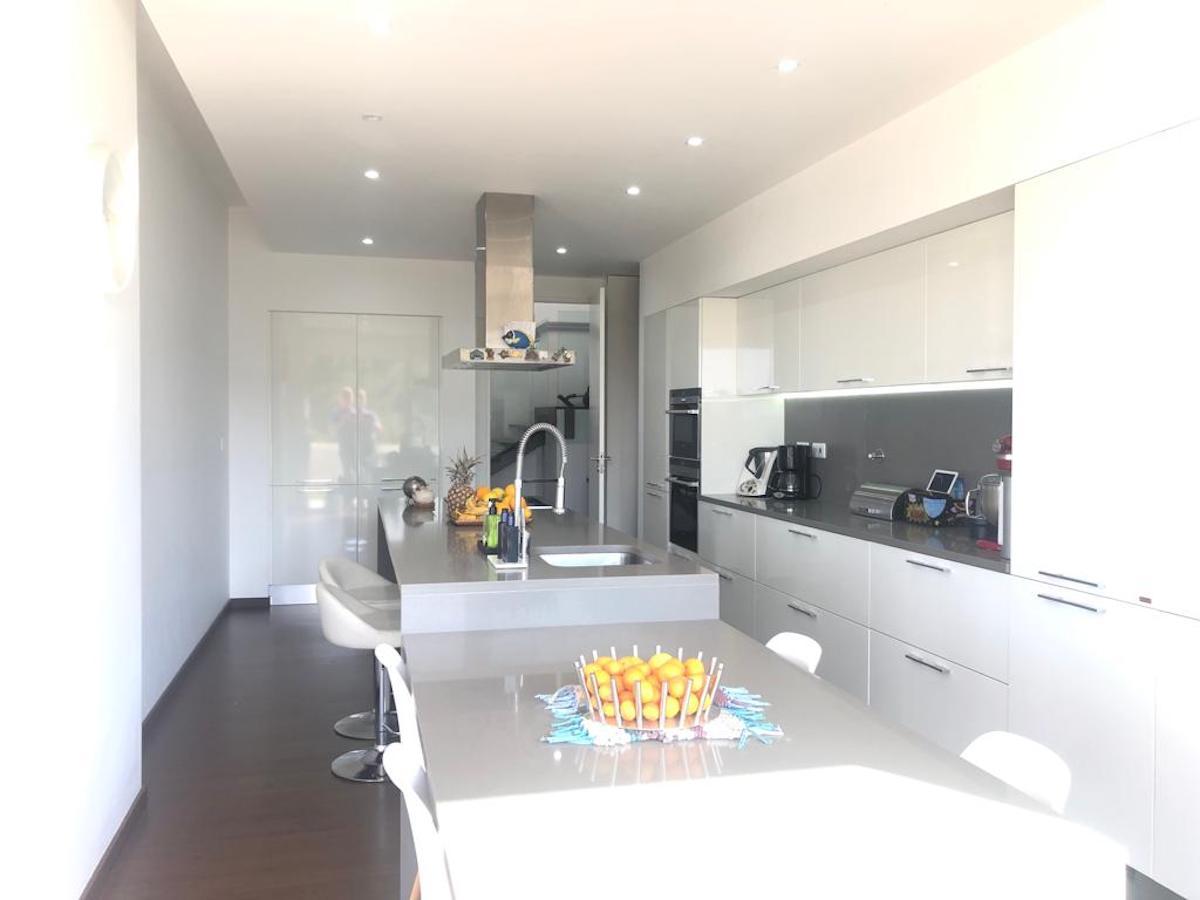 Modern design villa in Caldas da Rainha for sale