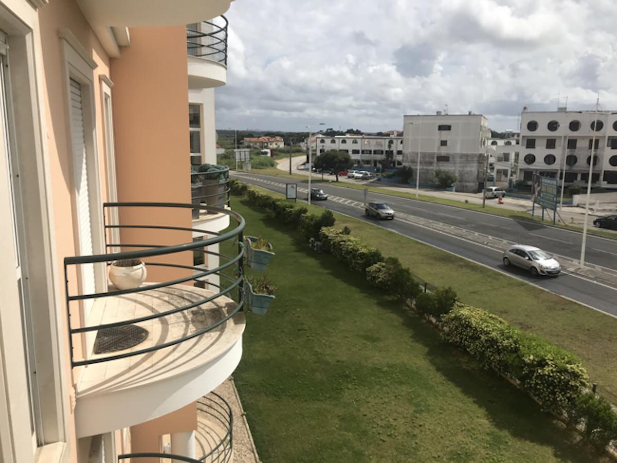 Penthouse duplex apartment with terrace in São Martinho do Porto