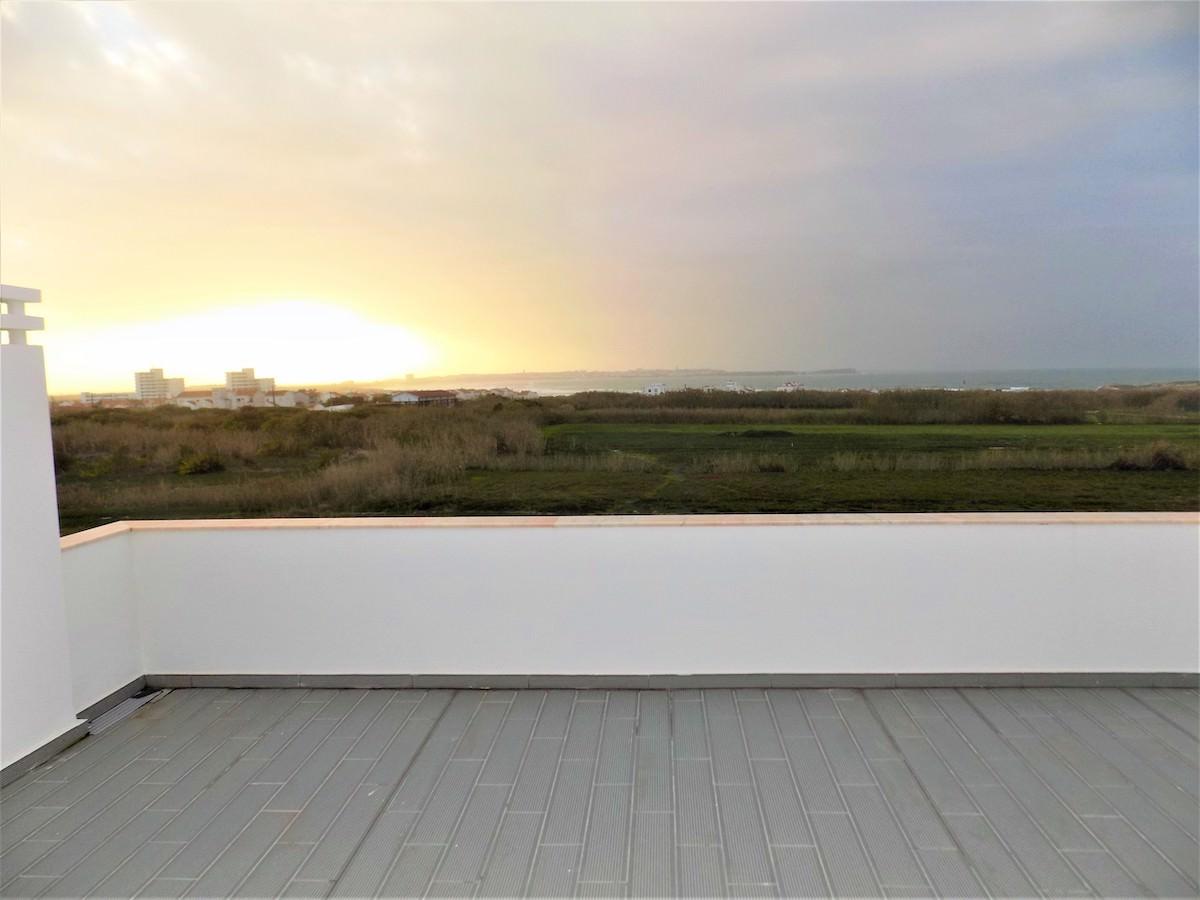 Open sea views roof terrace